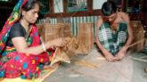 আগৈলঝাড়া স্বাবলম্বীর জন্য চাঁই বুননে কর্মমুখর