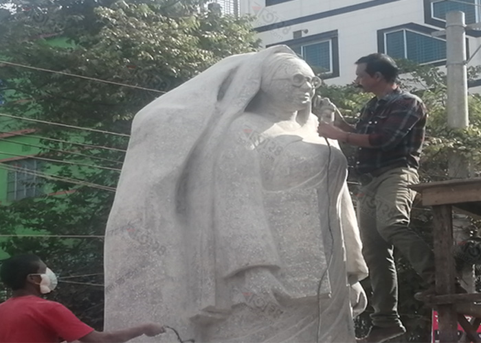 মার্বেল পাথর আর কংক্রিটে নির্মিত হচ্ছে রোকেয়া ভাস্কর্য