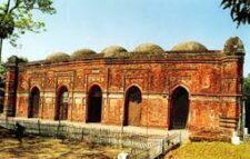 সংস্কারের অভাবে অস্থিত্ব সংকটে ঐতিহাসিক মসজিদ 'বাঘার শাহী মসজিদ'