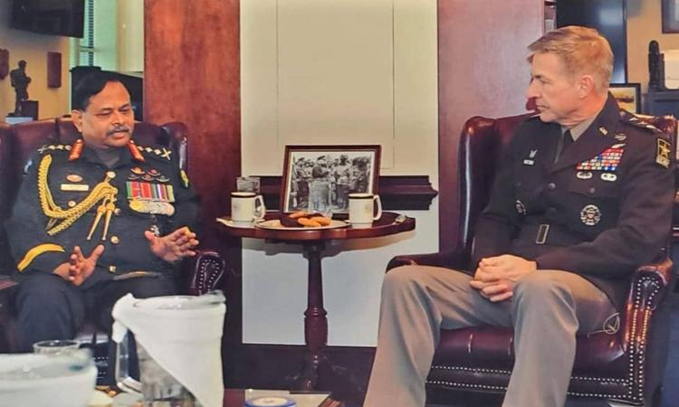 মার্কিন সেনাপ্রধানের সঙ্গে সেনাপ্রধান জেনারেল আজিজ আহমেদের সাক্ষাৎ