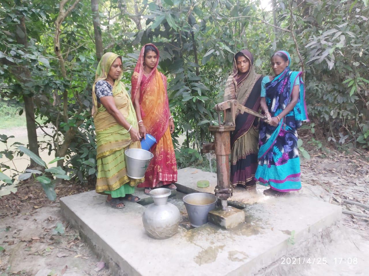 নোয়াখালীর সুবর্ণচরে সুপেয় পানির সংকট চরমে, ভোগান্তিতে বাসিন্দারা