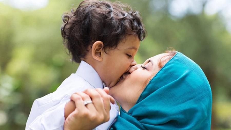 বিশ্ব মা দিবস: মাকে ভালবাসতে হবে