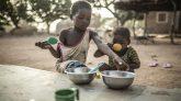 বিশ্বে করোনায় মারা যাচ্ছে মিনিটে ৭ জন, ক্ষুধায় ১১ জন
